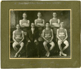 Mount Royal College basketball team - 1913-1914